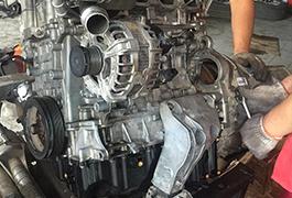 宝马525动力总成维修现2